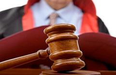 Hakim sorgu sırasından görevden alındı