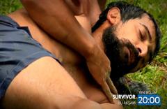 Furkan'a sinirlenen Serhat yere yığılıp kaldı