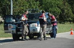 Jandarmanın ihtarına uymayan sürücü vurularak yakalandı