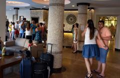 Marmaris'te bir odayı 50 farklı aileye sattılar