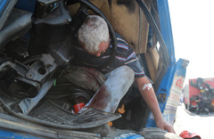 Korkunç kazada şoförün sorusu şaşkına çevirdi