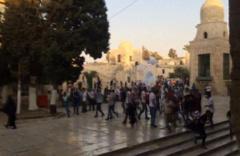 İsrail polisi Mescid-i Aksa'ya giren Filistinlilere müdahale etti
