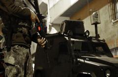 Hakkari'de terör operasyonu: 10 gözaltı