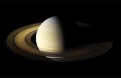 Cassini, Satürn'le en yakın temasını kurdu