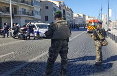 Fransa'nın Marsilya kentinde saldırı olay yerinden görüntüler