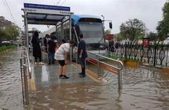İDO seferlerine sağanak yağmur engeli