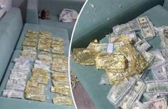 Yüz binlerce dolar yastıktan çıktı: Polis şaşkına döndü!