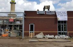 Hollanda'da inşası süren camiye saldırdılar