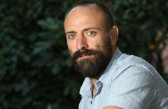 """Halit Ergenç isyan etti """"ilk evliliğimi bitirmemin Bergüzar ile..."""""""