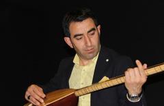 'Bizim Rabiamız var' türküsünü Afrin'deki Mehmetçik için okudu