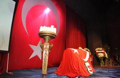 Türkiye'nin Mahmut Hocası Münir Özkul son yolculuğuna uğurlandı