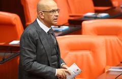 CHP İstanbul Milletvekili Enis Berberoğlu yemin etti