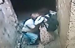 Engelli kız çocuğunu sokakta sıkıştırıp taciz etmişti! Bakın nasıl kandırmış