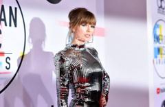 Taylor Swift'den annesi komada olan hayranına büyük destek