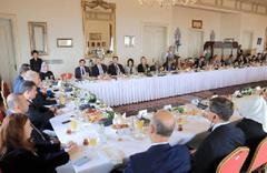 Başkan Mevlüt Uysal konsoloslarla buluştu Suudi Arabistan detayı