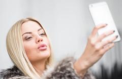 Fransa Instagram'dan zengin avına çıkıyor
