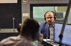 Bilal Erdoğan, Best FM'de İtalyanca şarkı söyledi