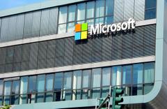 Microsoft o ünvanı Apple'den kaptı