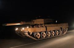 Kilis'ten Suriye sınırına tank sevkiyatı yapıldı