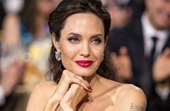 Angelina Jolie çocuklarını zehirliyor Angelina Jolie ile Brad Pitt'in kaç çocuğu var?