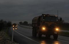 Obüs taşıyan konvoy Suriye sınırında!