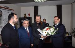 AK Parti'li Çavuşoğlu, polis merkezine yeni yıl ziyareti