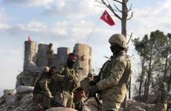 Afrin'deki hedeflere bomba yağıyor