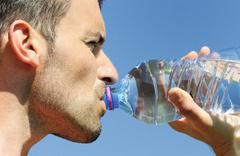 11 büyük markanın suyunda plastik parçacıklar bulundu