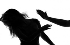 Kızını tokatlayarak döven anneye şok! Eğer ceza alırsa