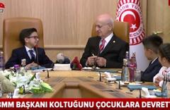 TBMM Başkanı İsmail Kahraman koltuğunu çocuklara devretti!