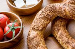 Simit kaç kalori 4 dilim ekmeğe eş? Simiti diyette bu saatte yiyin!