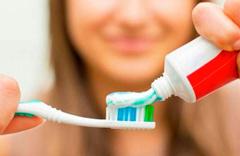 Ramazan'da diş fırçalamak orucu bozar mı-Diyanet cevabı