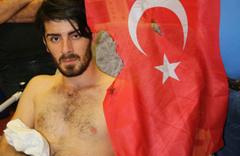 HDP'liler AK Partililere saldırdı! Türk bayrağını yakıp...