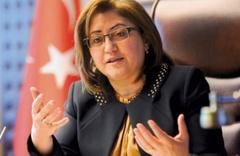 Akşener'in o iddiasına Fatma Şahin'den cevap