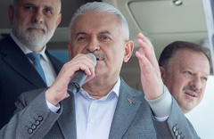 Başbakan Yıldırım: Kandil'i başlarına yıkacağız
