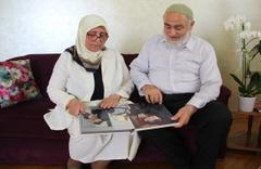 Abdulhamit Gül'ün anne ve babası oğullarının bakan olduğunu öğrenince...