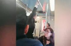 Metroda şeytan çıkarma ayini! Görenler gözlerine inanamadı