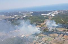 Tatil cenneti yanıyor! Uçaklar müdahale ediyor...