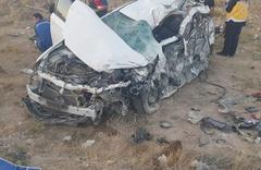 Kamyonla otomobil çarpıştı: Çok sayıda ölü ve yaralı var!