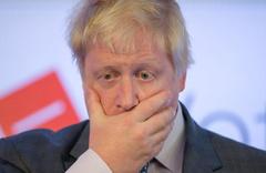Boris Johnson 'dan peçe takan kadınlara çirkin benzetmeler!