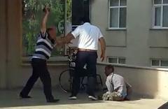 Böyle vicdansızlık görülmedi! Engelli oğluna yaptığına yürek dayanmaz