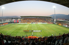 Kasırga Göztepe-Konyaspor maçından geçti! Elektrikler gitti