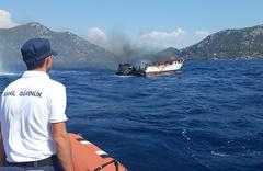 Milyonluk tekne cayır cayır yanıp battı!