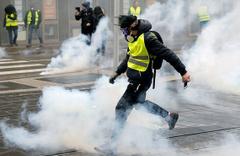 Paris'te 167 sarı yelekli gözaltına alındı!