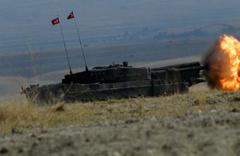 YPG mevzileri vuruldu ÖSO YPG çatışmasında TSK'dan obüs atışı