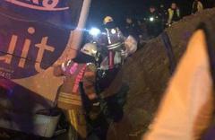 İstanbul'da otobüs devrildi: Ölü ve yaralılar var
