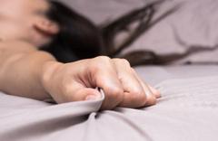 Seks yaparken penisi kırıldı! Kız arkadaşı olay için bakın ne dedi