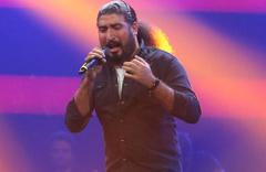 O Ses Türkiye şampiyonu Ferat Üngür gittiği AVM'yi yıktı geçti!
