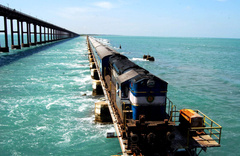 Uçak yolcuğu kaldırılsın yerine okyanus üzerinde tren gelsin