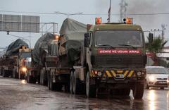 Suriye sınırına dev askeri sevkiyat sürüyor